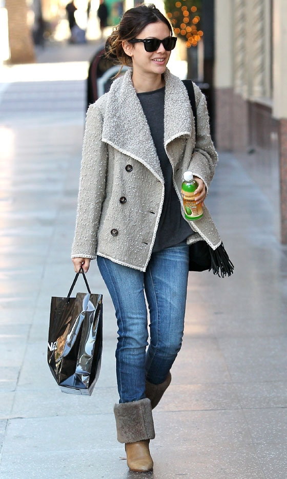 rachel bilson casual looks. Rachel Bilson Wraps Up In