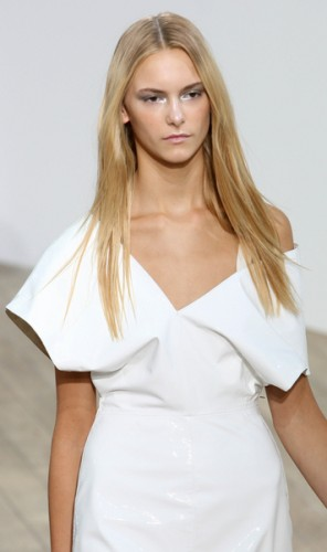 London Fashion Week Spring/Summer 2011 - Nicole Farhi Show - Runway
