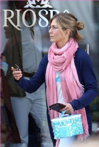Pink-Silk-Shawl-Jennifer-Aniston