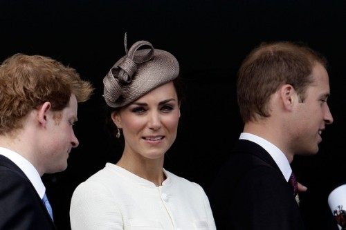 Prince-Harry-Kate-Middleton-and-Prince-William-2011-Hat-of-Kate-Middleton-Style-at-Epsom-Race-Course