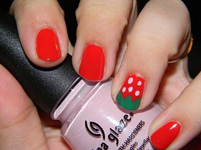 strawberry-nail-art