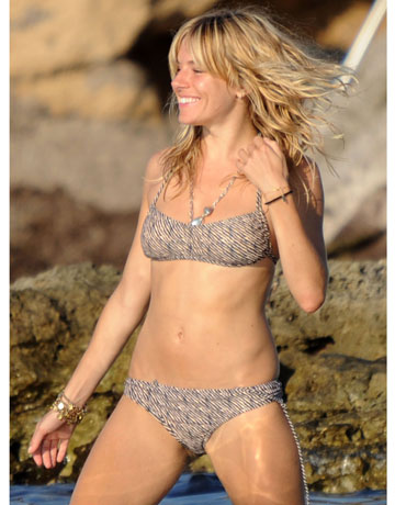hbz-Sienna-Miller-prints-celeb-swimsuits-0511-de