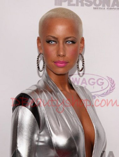Amber-Rose-with-color-contact-lenses
