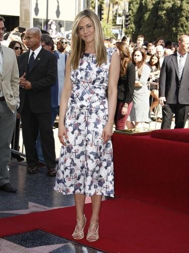 JenniferAniston-HollywoodWalkOfFame022212-jpg_213557