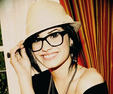 demilovato-glasses