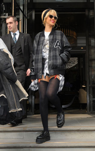 rihanna-creepers-london