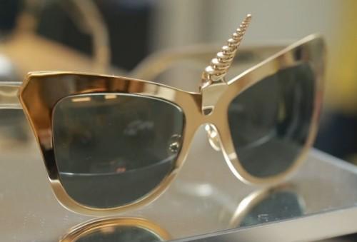 戴了太陽眼鏡就不须要化妝了吗