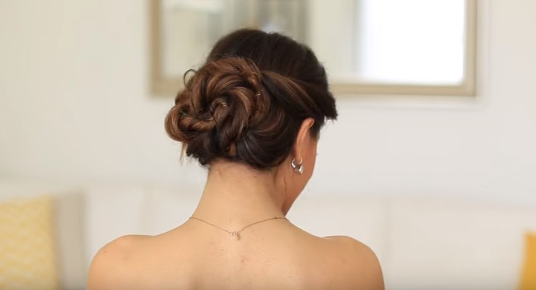 Elegant Bun Hair in 2 Minutes